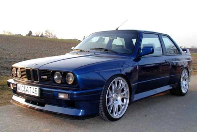 bmw e30 blue